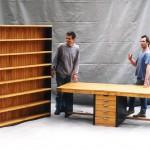 Llibreria i taula de castanyer